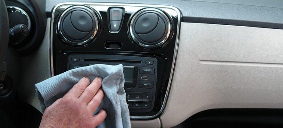 Qual a maneira certa para limpar o seu carro em casa?