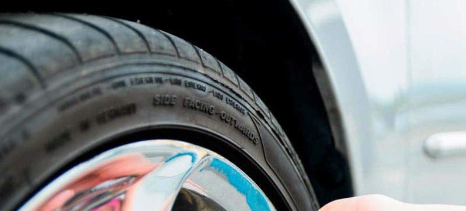 Uma boa calibragem do pneu economiza a gasolina!