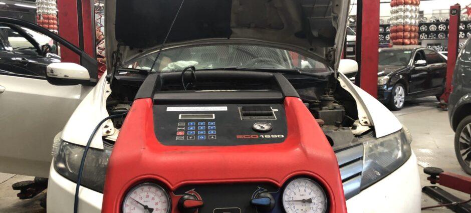 Honda City – Carga de Gás com Máquina de Última Geração