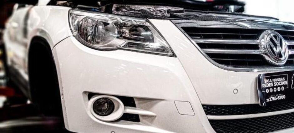 Volkswagen Tinguan trocando os Amortecedores na Full Pneus!