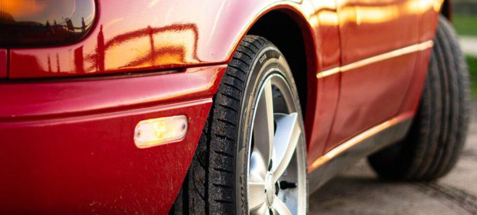 Quais carros cabem na medida de pneu 175 70 R14?